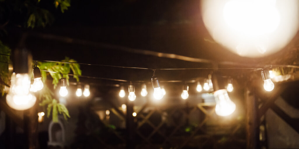 Outdoor Lights Ideas_Deck String Lights