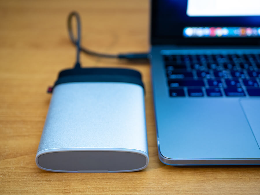 ThePhotoStick Review-Portable-Ssd-Disk-Drive-Connected